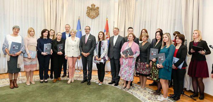 Економско оснаживање жена у Србији
