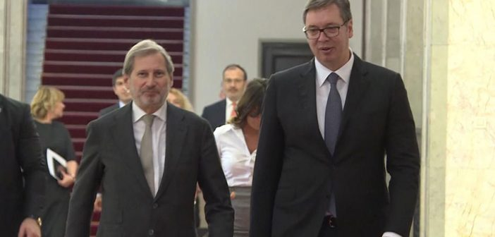 Vucic and Hahn discuss Pristina's decision on tax increase and regional stability