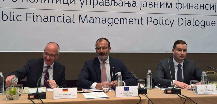 Ambasador Fabrici: Važno je nastaviti reformu upravljanja javnim finansijama