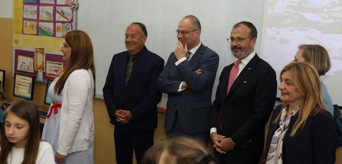 "Commissioner Navracsics, Ambassador Fabrizi and Minister Sarcevic visit ""Mihailo Petrovic Alas"" School"