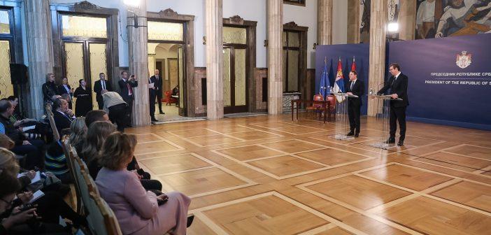 Komesar Varheji u poseti Srbiji