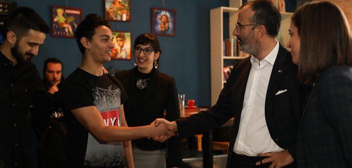 "Ambassador Fabrizi visits Café ""16"""