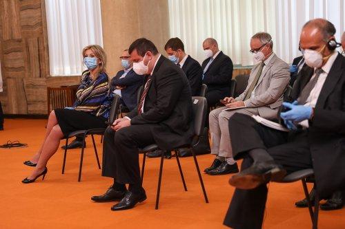 Palata Srbija Covid 19 meeting-16